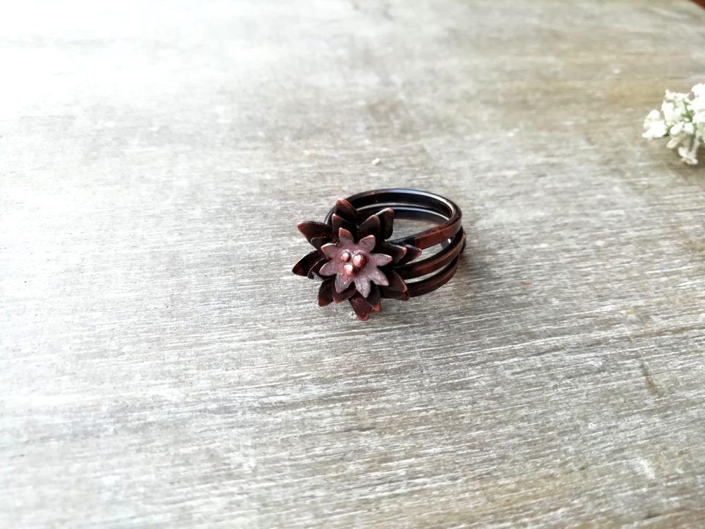 anello con fiore di loro